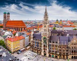 DG8NWH Munich, Germany skyline at City Hall.